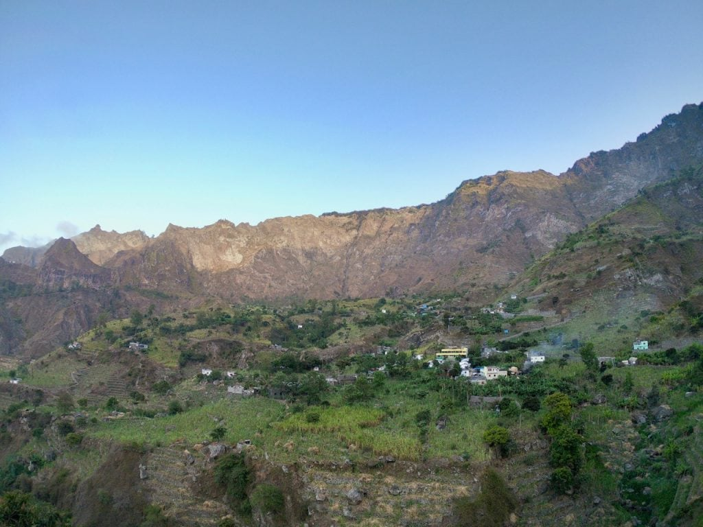 La vista della valle di Paul da Cabo de Ribeira