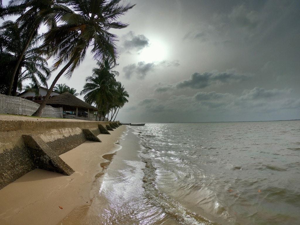 La spiaggia di Carabane sul fiume Casamance