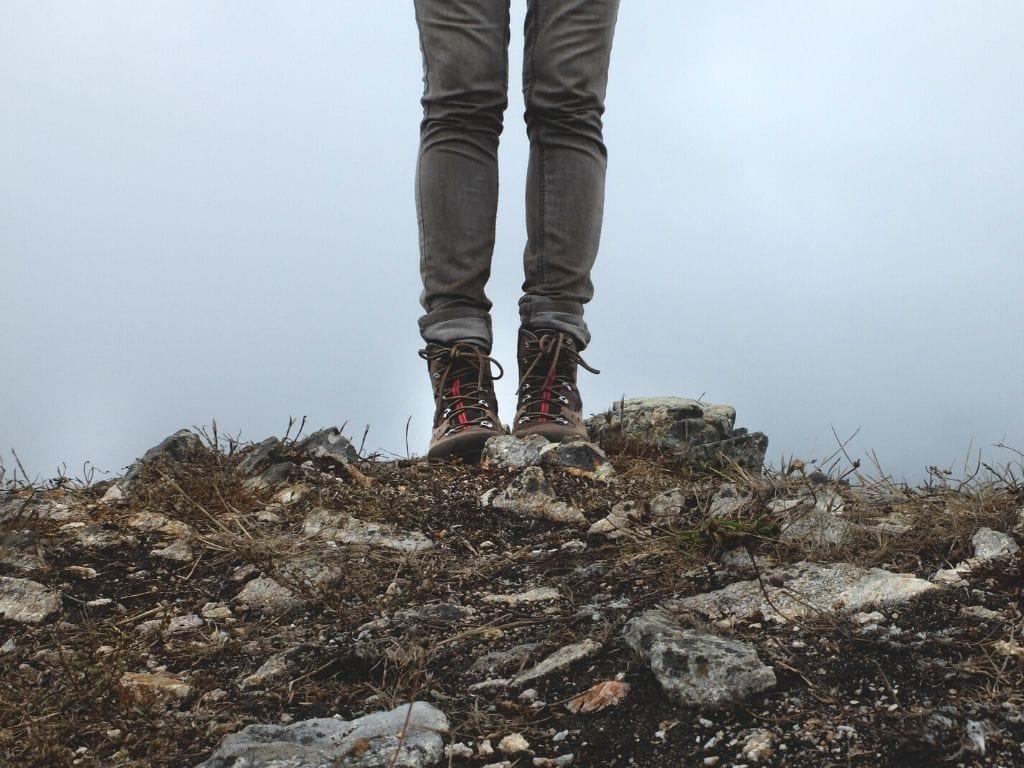 Scarpe per camminare in montagna
