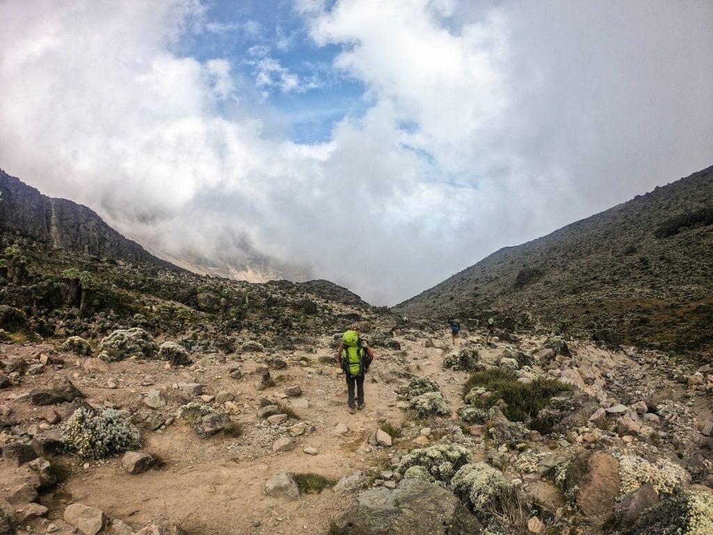 una delle vie della scalata del kilimangiaro